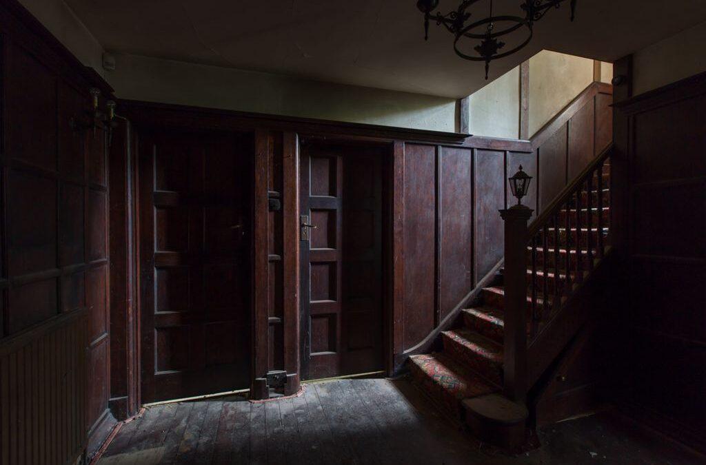 Advanced 1st – Derelict abandoned property_sarah wlaker