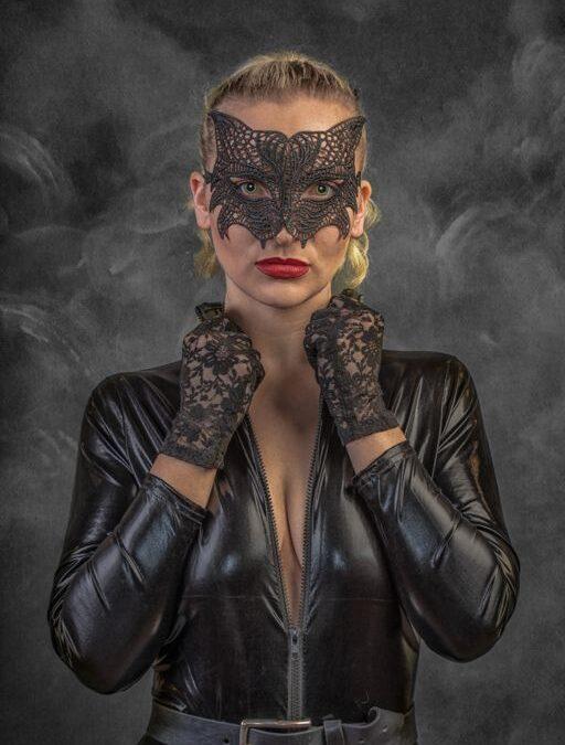Advanced 3rd – Femme Feline_Lloyd Moore