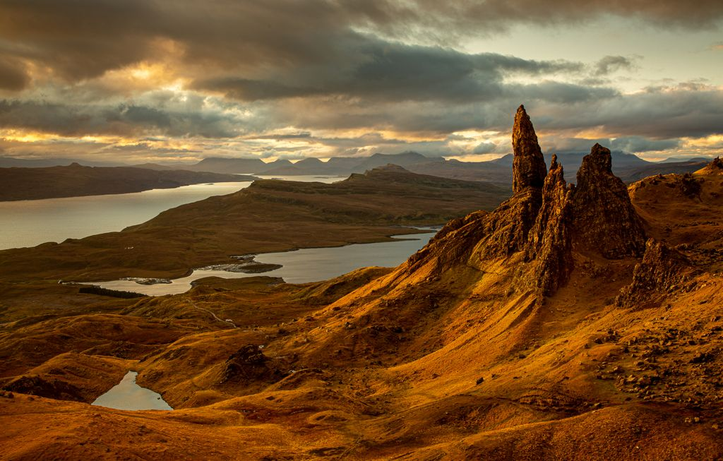 Advanced 2nd – First Light on the Old Man of Storr_Sarah Walker