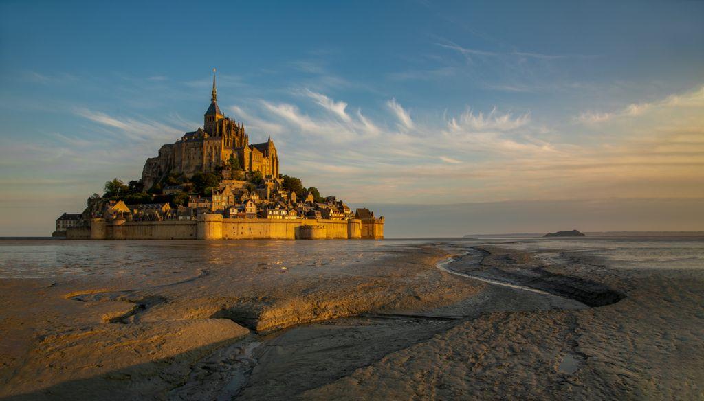 BEST LANDSCAPE – Mont St Michel Sunrise_Sarah Walker