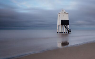Intermediate 3rd Place – Low Lighthouse at Burnham on Sea_Susan Gaszczak